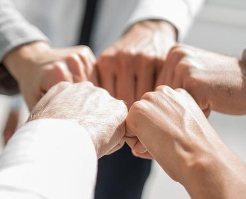 Manifeste pour une union sacrée dans les réseaux